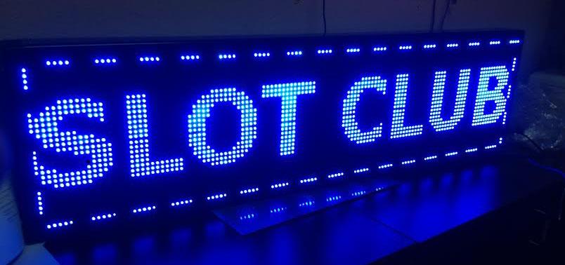svetlece reklame za kockarnice, kladionice